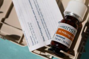 Fentanyl Nasenspray: Schmerzkrise bei der Heimfahrt