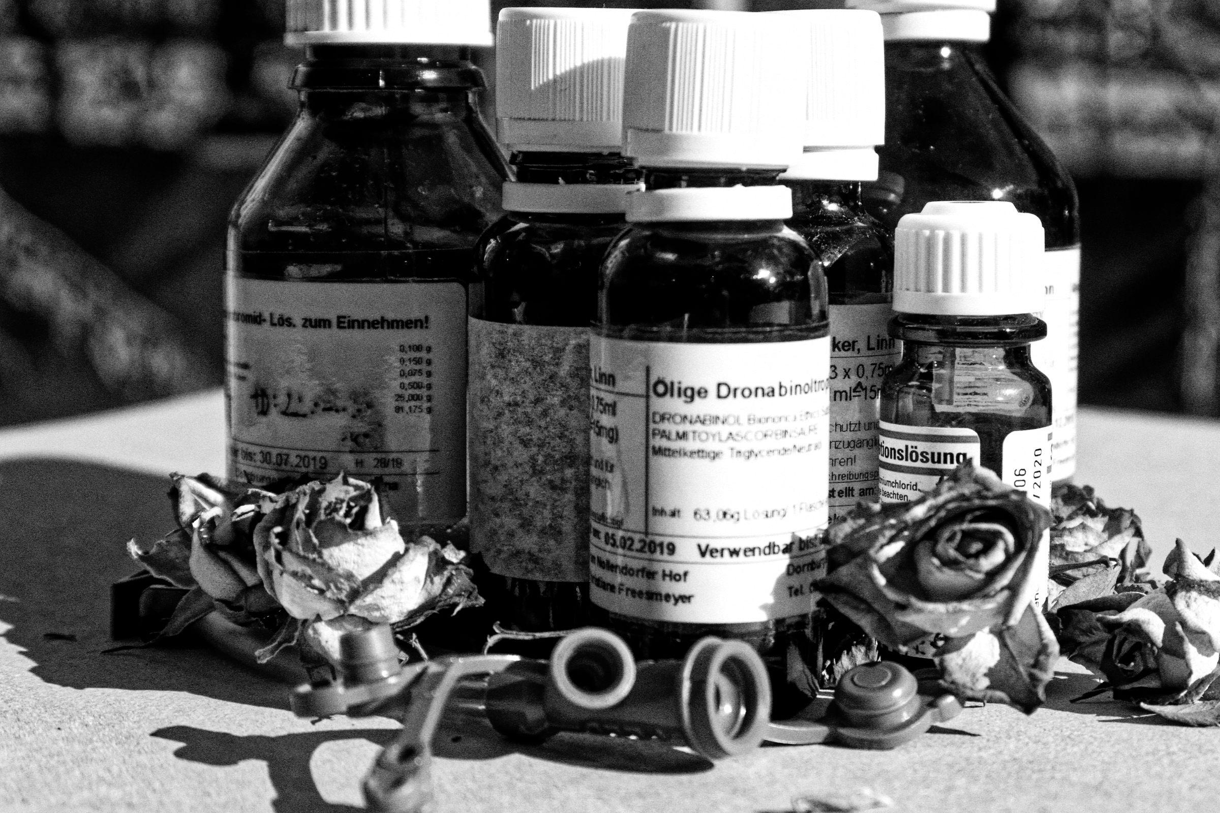 Medikamente Flaschen in SW