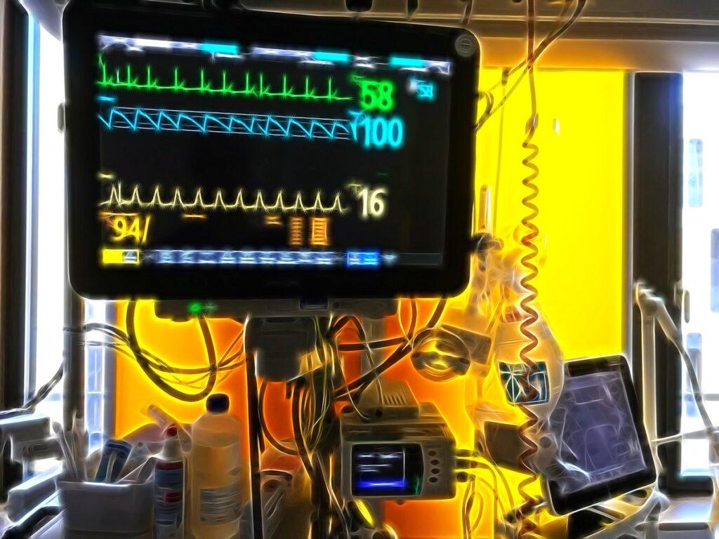 2019 09 10 intensivstation monitor intensivpflege